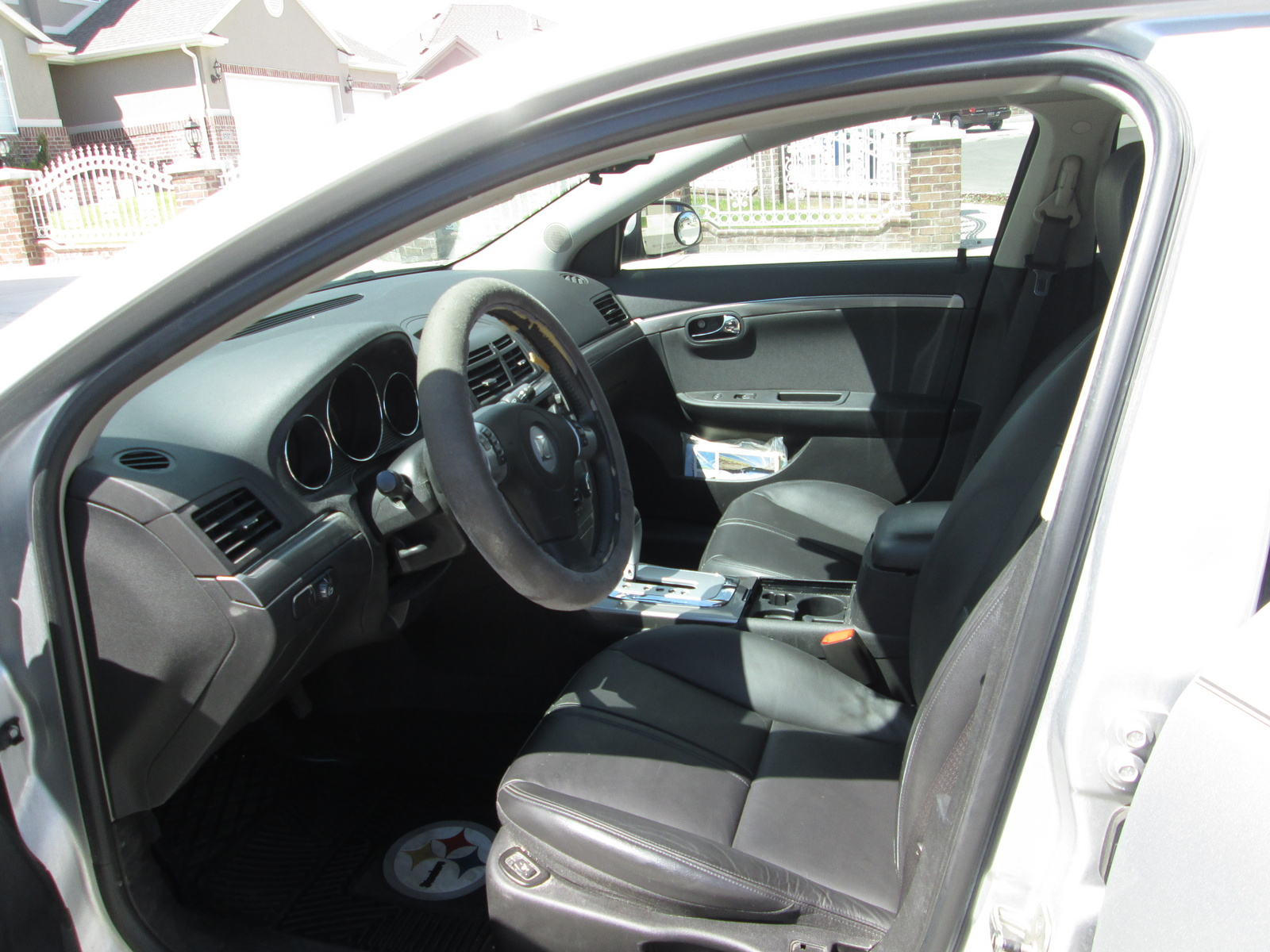 Picture of 2009 Saturn Aura XR, interior