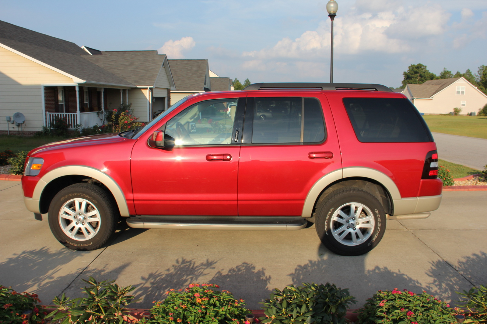 2009 Ford Explorer Pictures Cargurus