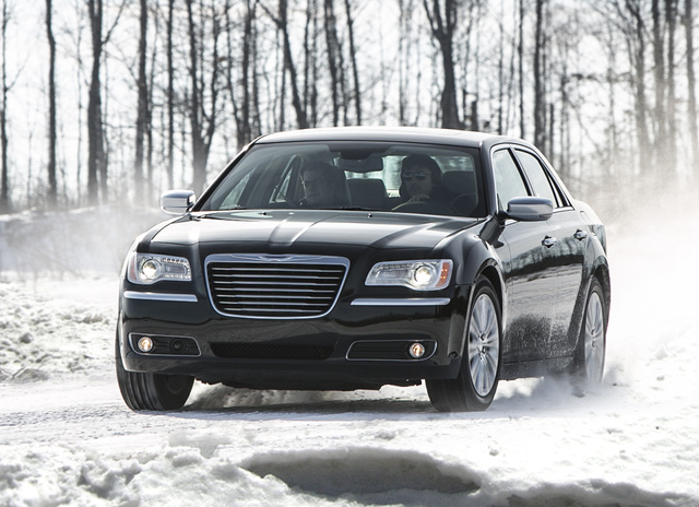 2014 Chrysler 300, Front-quarter view, exterior, manufacturer, gallery_worthy