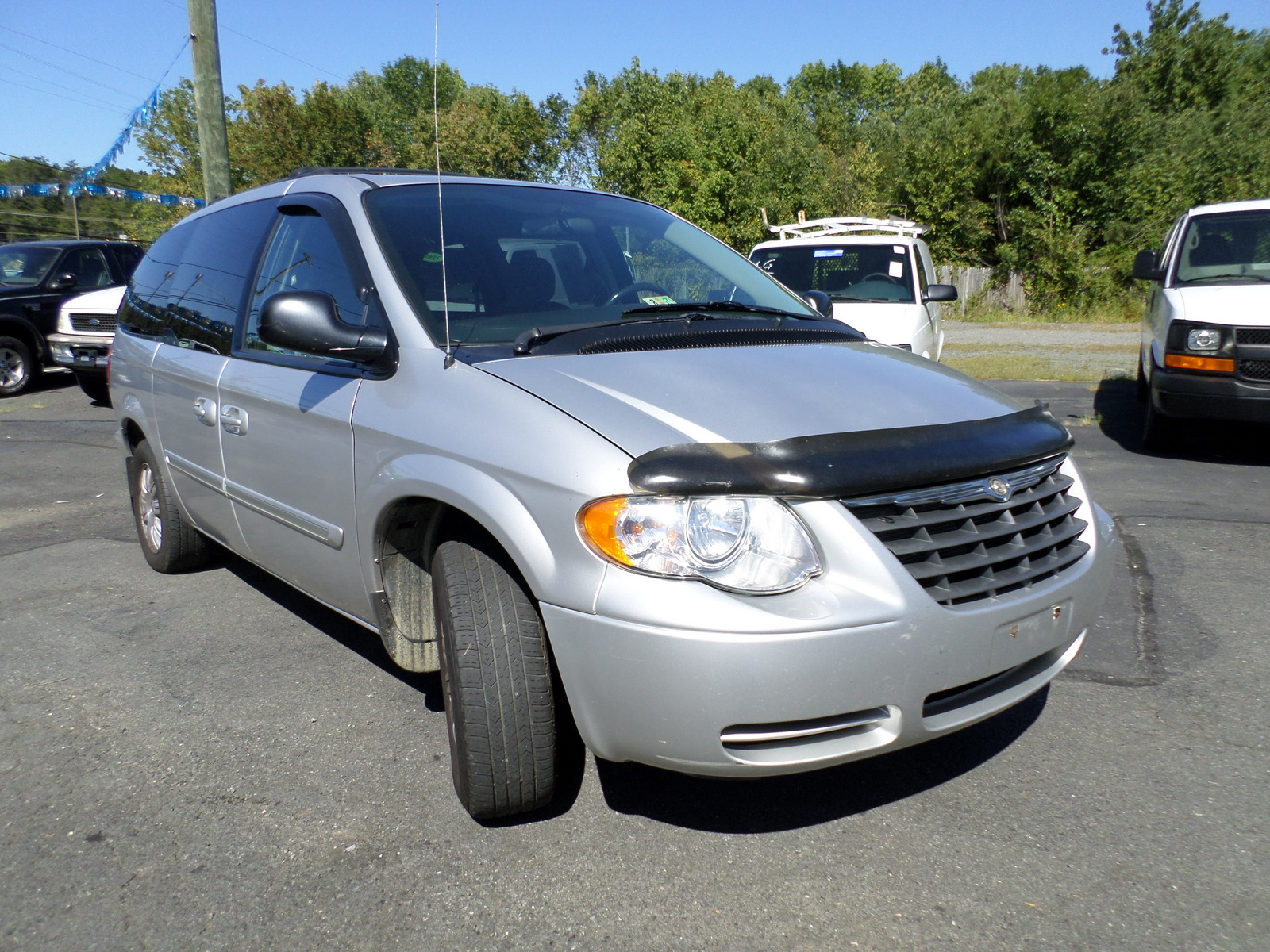 2006 chrysler town country exterior pictures cargurus. Black Bedroom Furniture Sets. Home Design Ideas