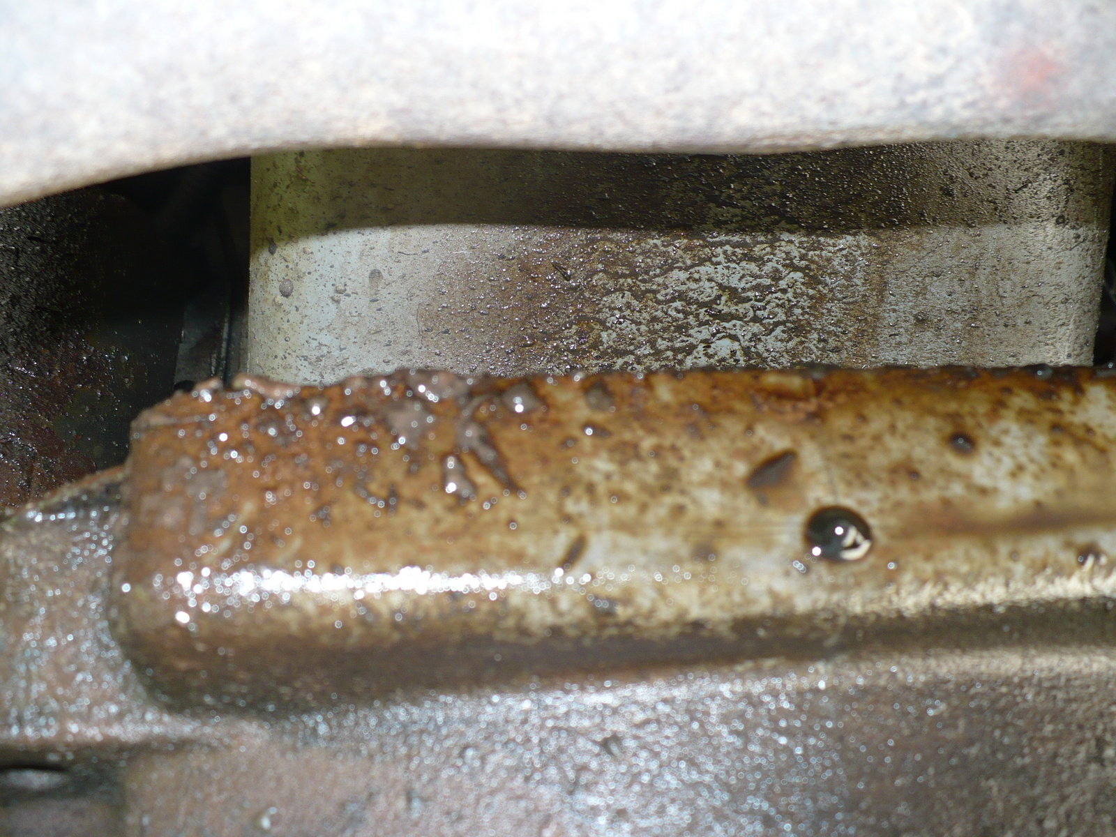 Ford F-250 Questions - Where could oil be leaking? - CarGurus