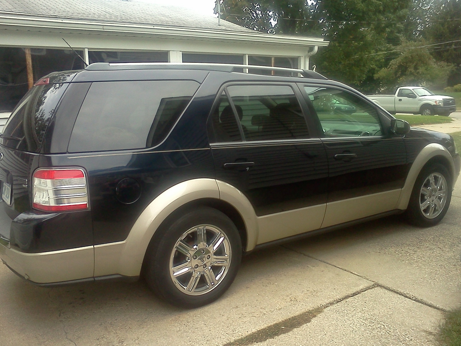 2001 Ford Focus Wagon in addition 2006 Ford Freestar additionally Lincoln Navigator Fuse Box Diagram furthermore 2004 VW Beetle Fuse Box Diagram furthermore 2005 Infiniti G35 4 Door Sedan. on 2006 ford fusion engine size