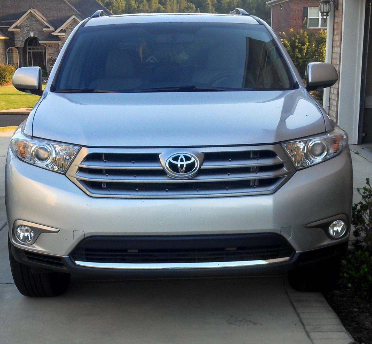 2012 Toyota Highlander Limited: 2013 Toyota Highlander
