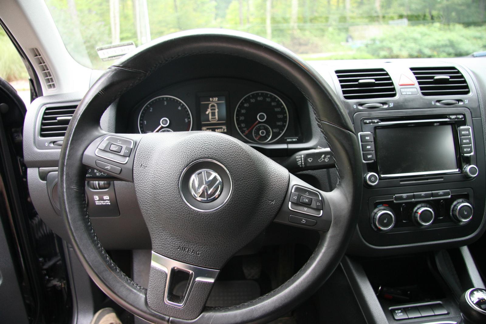 2010 Volkswagen Jetta - Pictures - CarGurus