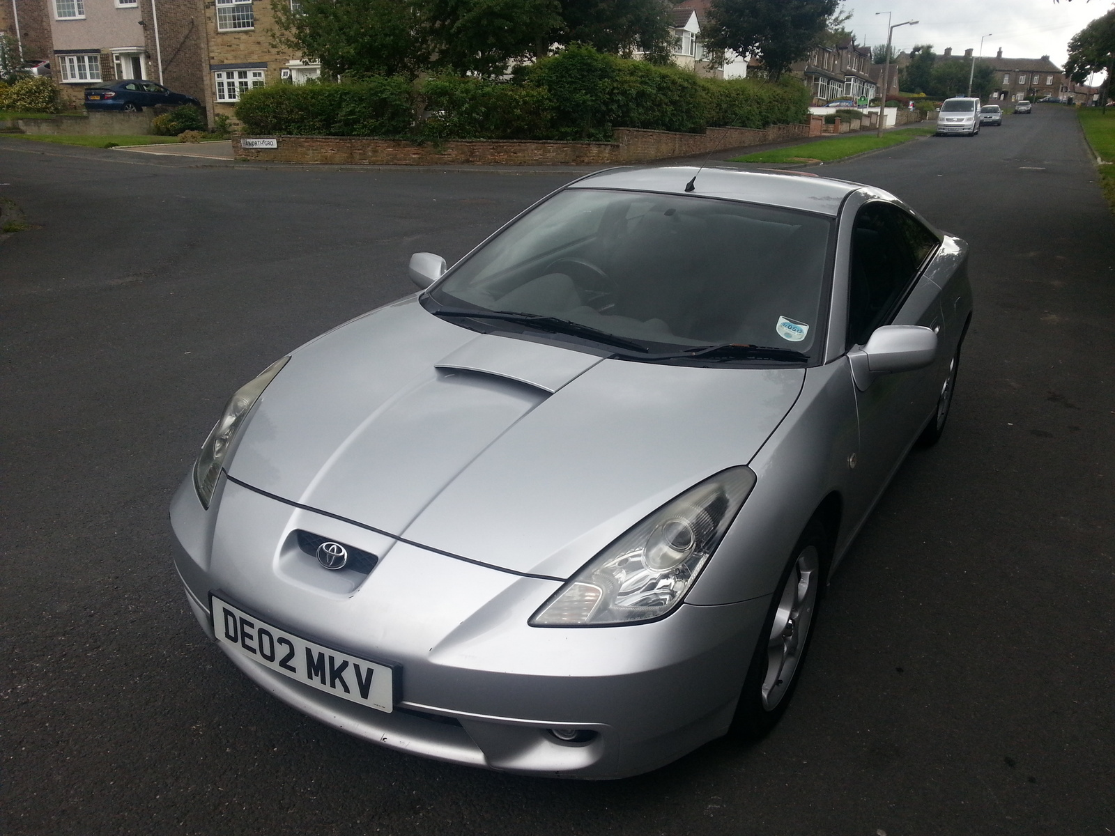 i have a 2002 toyota celica, the car is driving, but wont overheat and wont  give warm air, i flushed out the radiator, replaced the thermostat new  coolant, ...