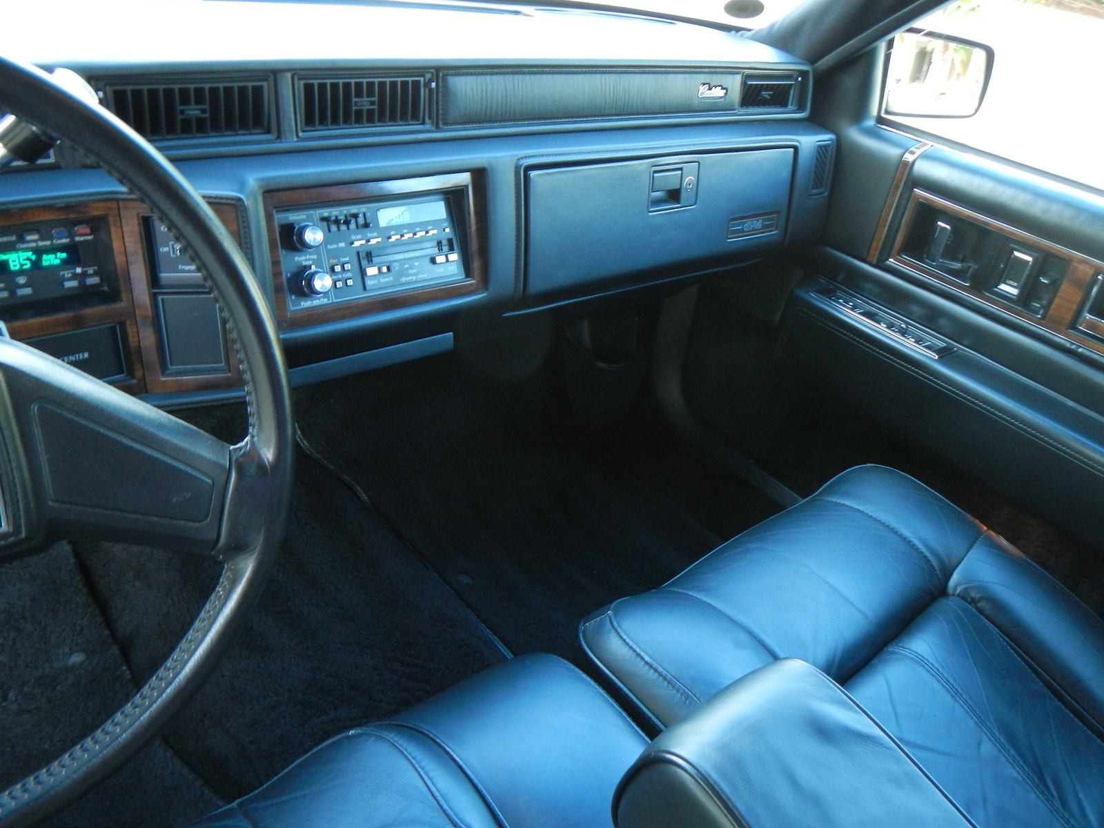 Cadillac Deville Base Coupe Pic