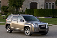 2014 GMC Terrain, Front-quarter view. Copyright General Motors, manufacturer, exterior
