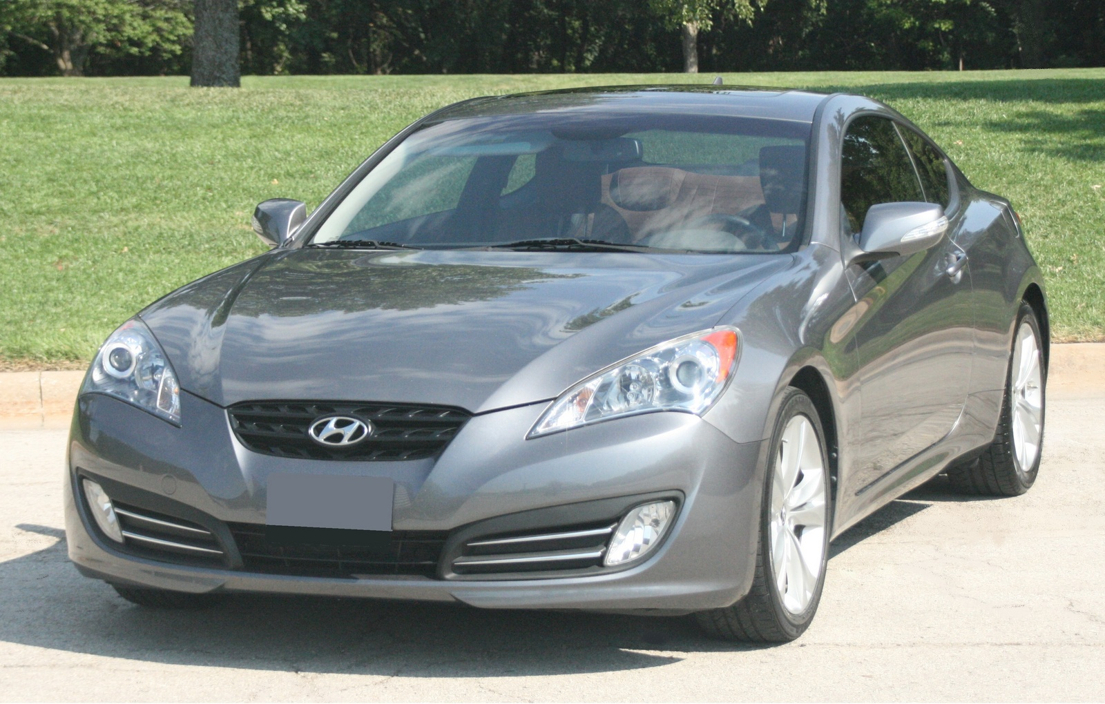 picture of 2010 hyundai genesis coupe 3 8 grand touring exterior. Black Bedroom Furniture Sets. Home Design Ideas