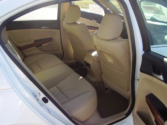Picture of 2011 Honda Accord EX-L V6, interior, gallery_worthy