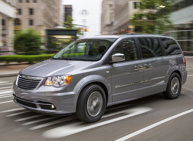 2014 Chrysler Town & Country, Front-quarter view, exterior, manufacturer, gallery_worthy