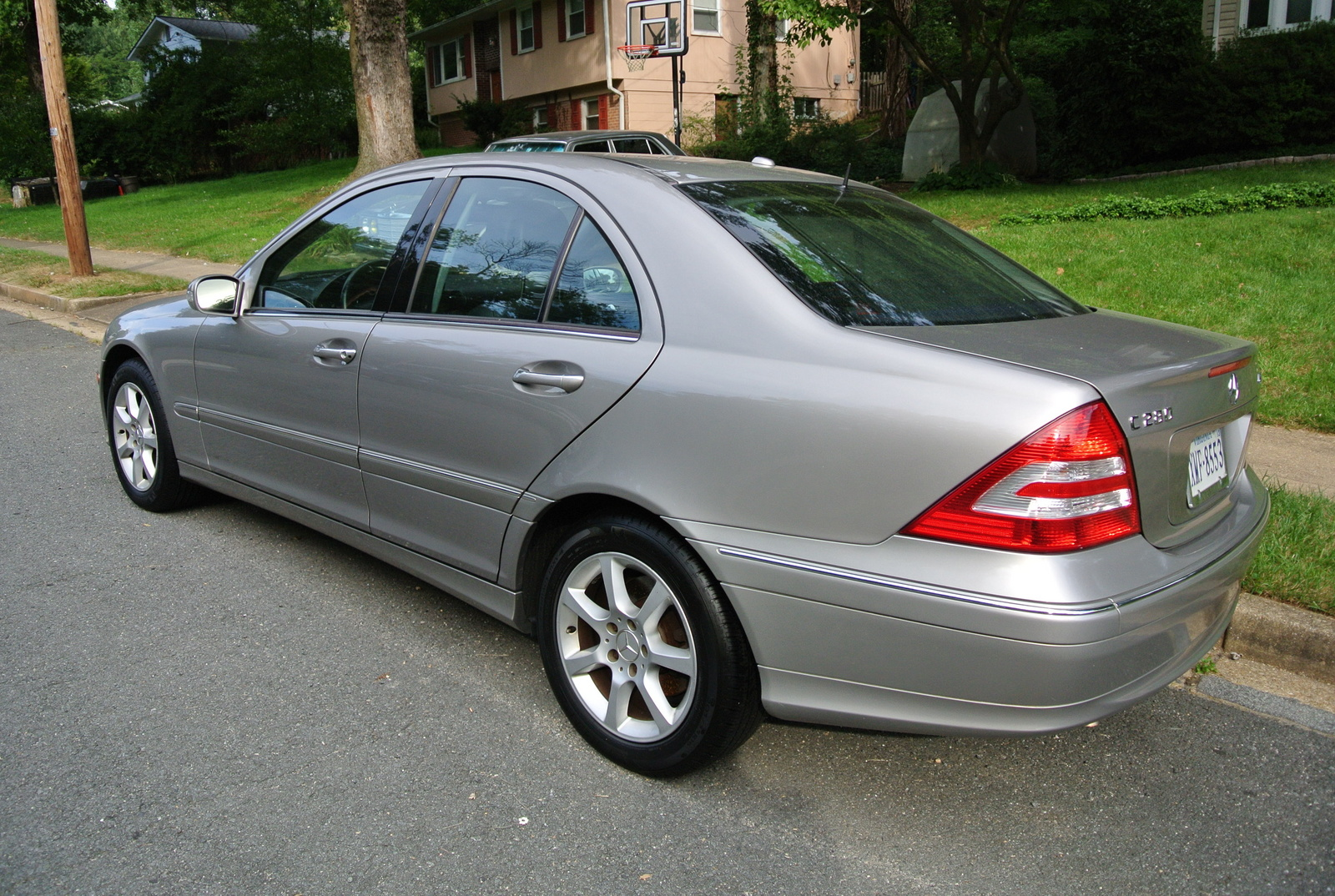 2007 mercedes benz c class trim information cargurus for Mercedes benz 2007 c280
