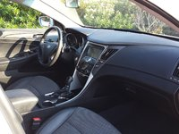Picture of 2011 Hyundai Sonata SE, interior, gallery_worthy