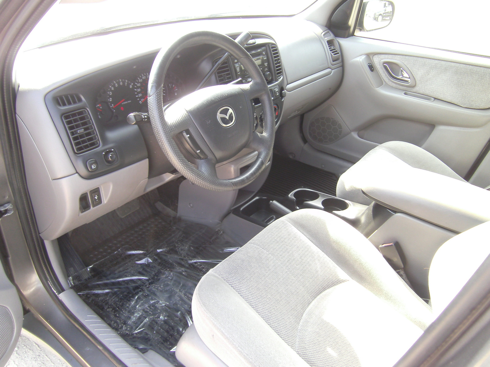 2002 mazda tribute interior pictures cargurus. Black Bedroom Furniture Sets. Home Design Ideas