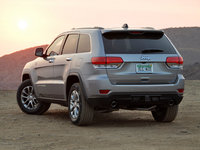 2014 Jeep Grand Cherokee, From the rear, form_and_function, exterior