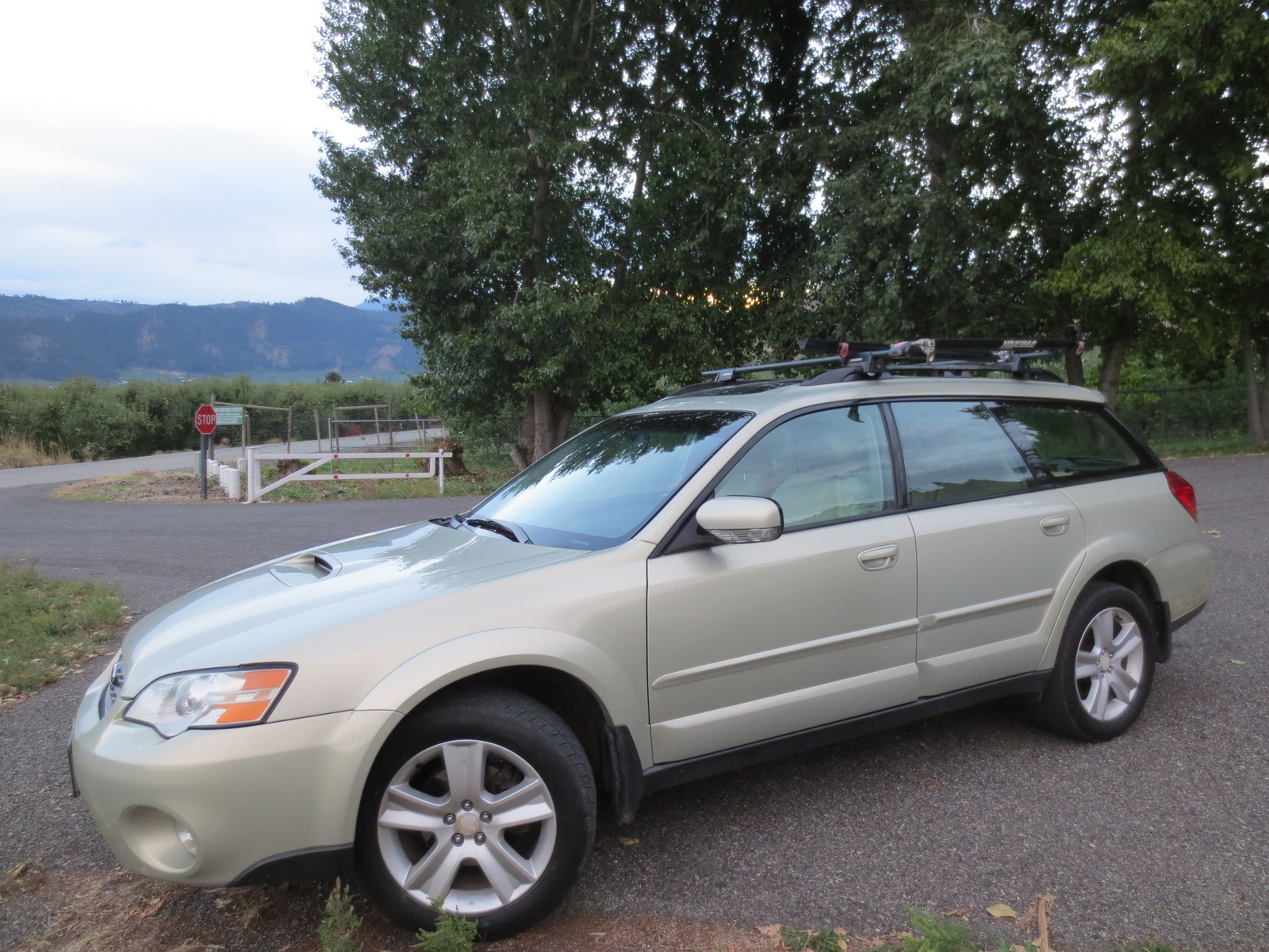 picture of 2006 subaru outback 2 5 xt limited wagon exterior. Black Bedroom Furniture Sets. Home Design Ideas