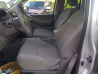 Picture of 2005 Nissan Frontier 4 Dr LE 4WD Crew Cab SB, interior