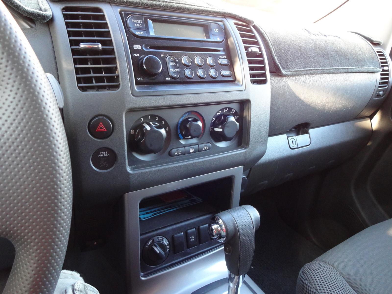2005 nissan pathfinder xe interior. Black Bedroom Furniture Sets. Home Design Ideas