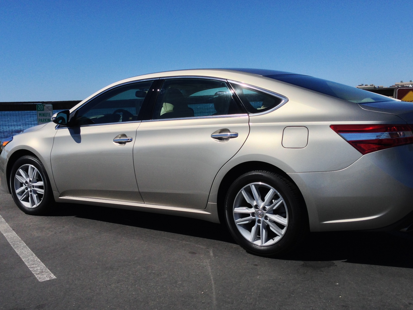 2014 toyota avalon review ratings specs prices and autos post. Black Bedroom Furniture Sets. Home Design Ideas