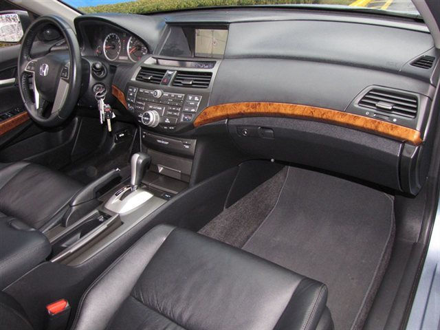 Picture of 2011 Honda Accord EX-L V6 w/ Nav, interior, gallery_worthy