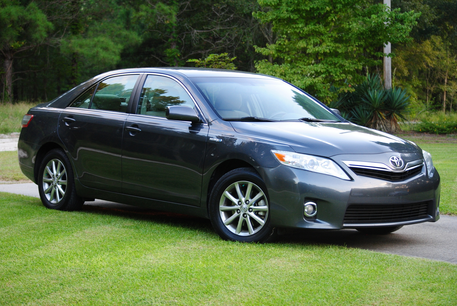 2010 toyota camry hybrid review ratings specs prices html. Black Bedroom Furniture Sets. Home Design Ideas