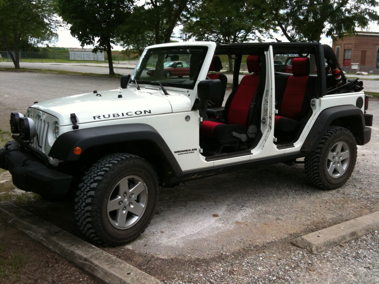 picture of 2010 jeep wrangler unlimited rubicon exterior interior. Cars Review. Best American Auto & Cars Review