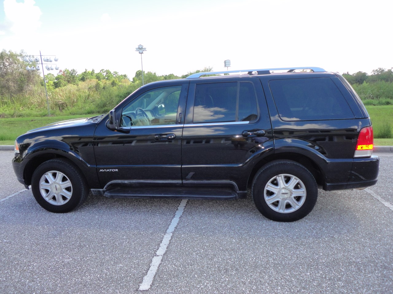 ford motor company recalls for 2004 explorers. Black Bedroom Furniture Sets. Home Design Ideas
