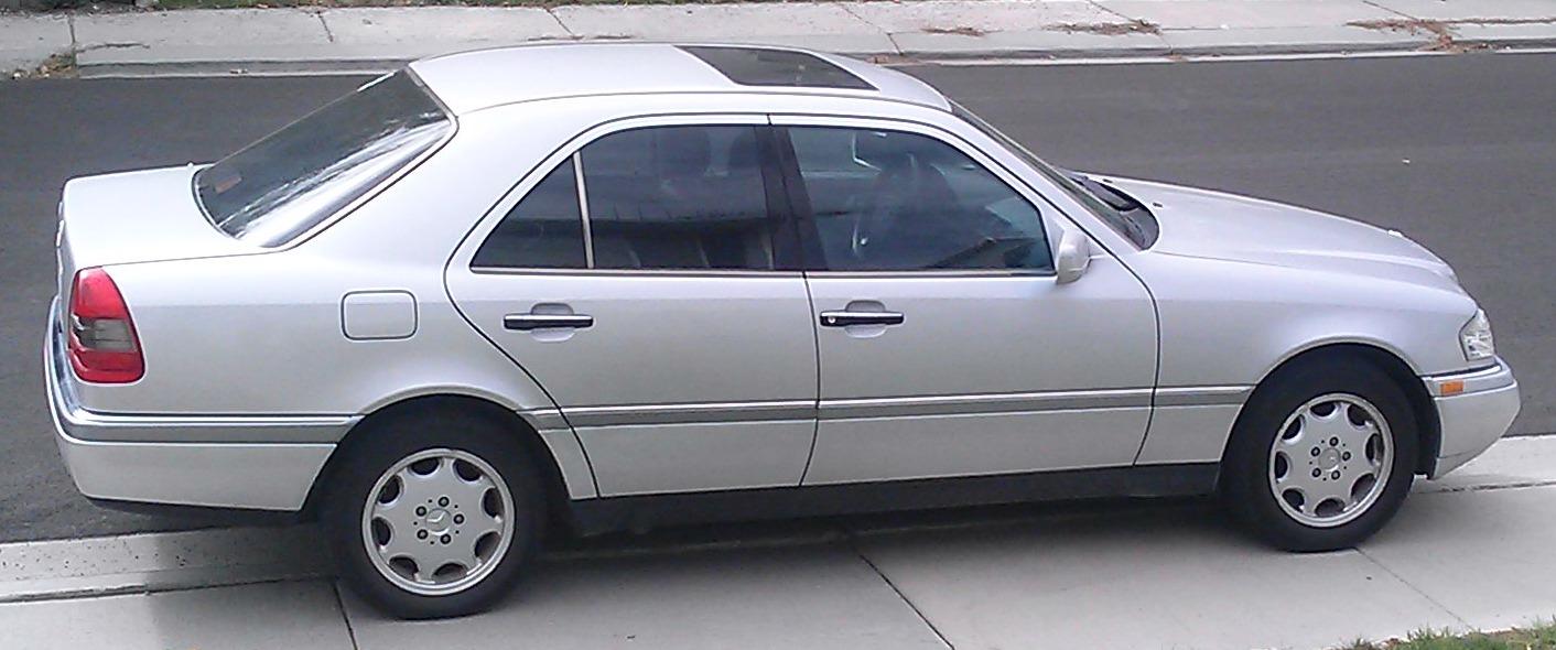 Mercedes-Benz C-Class - Wikipedia