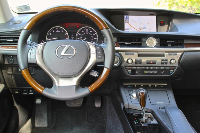 Good Safety. 7/ 10. 2014 Lexus ES 350