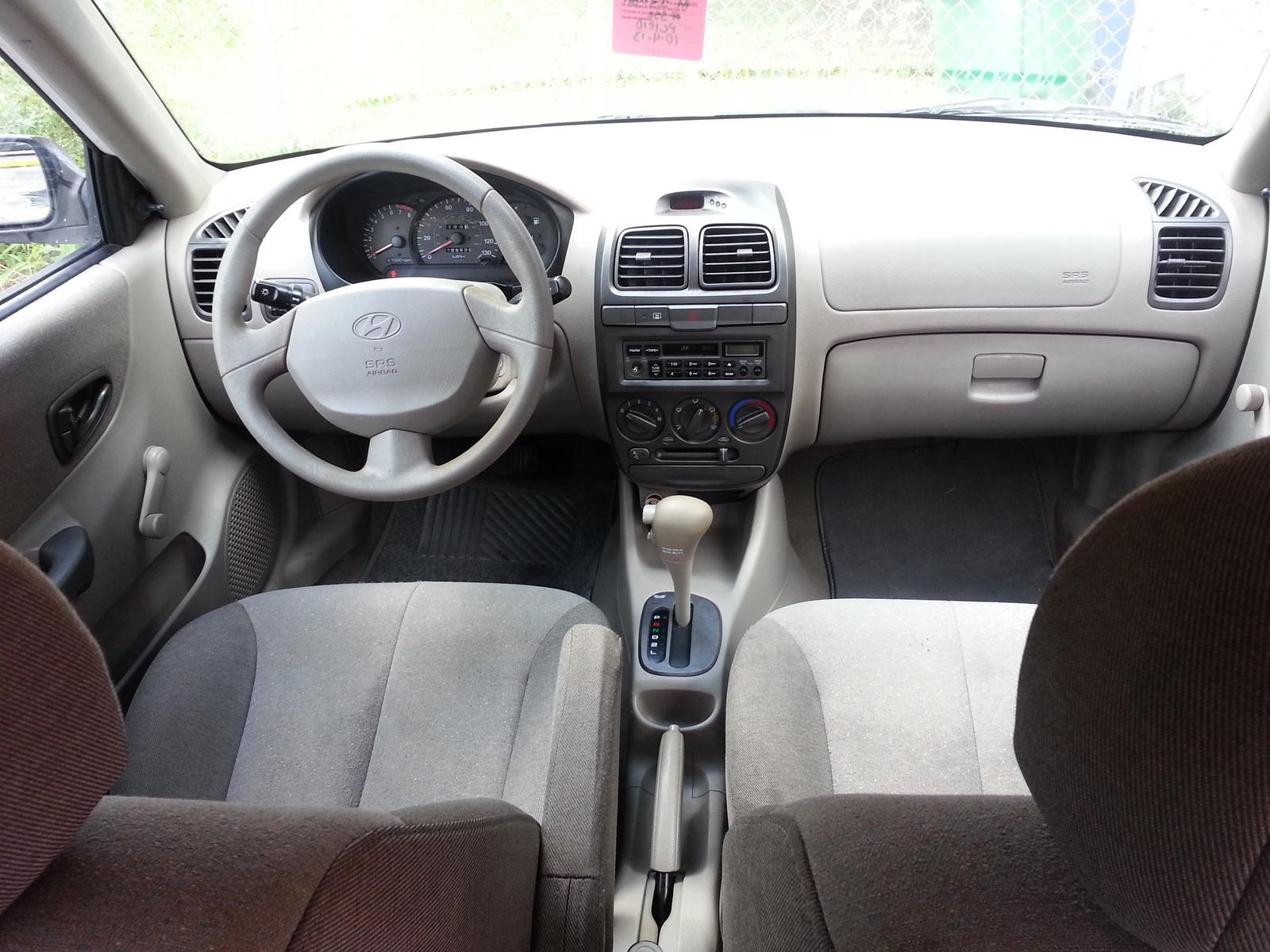2002 Hyundai Accent Interior Pictures Cargurus