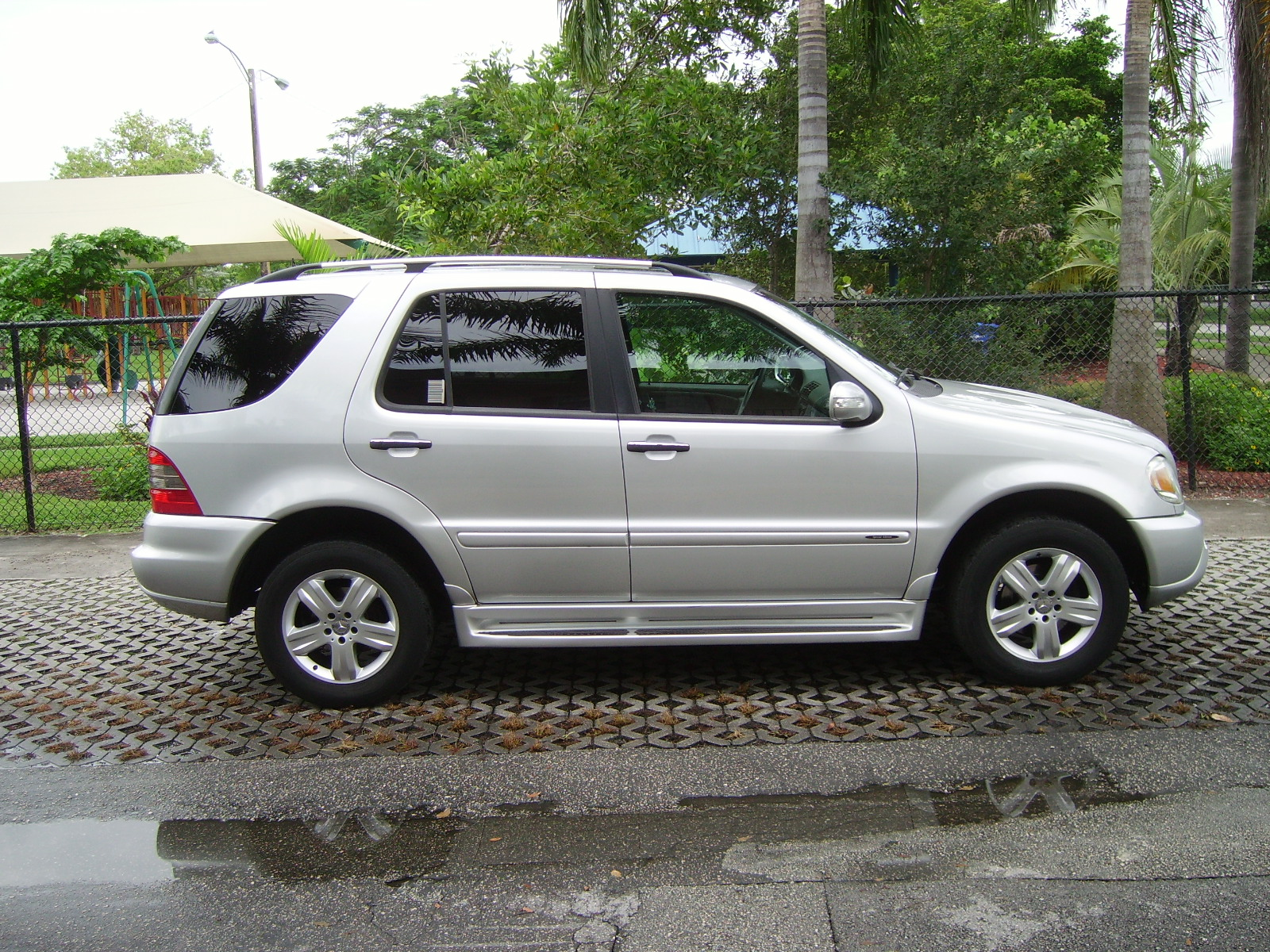 2005 mercedes benz m class pictures cargurus for Mercedes benz m class mercedes suv