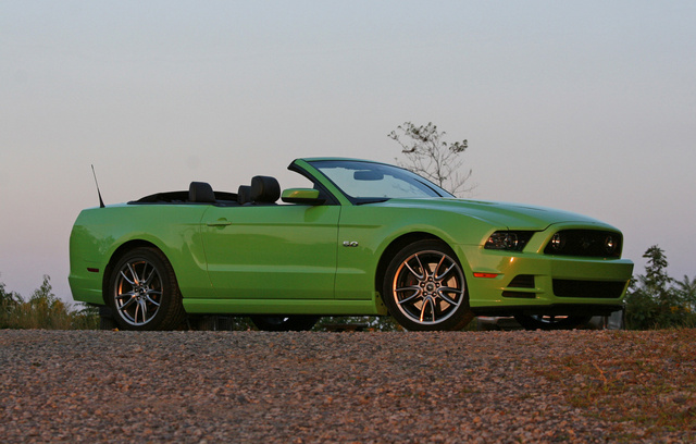 2014 Ford Mustang GT Premium Convertible, 2014 Ford Mustang GT Convertible front passenger side, exterior