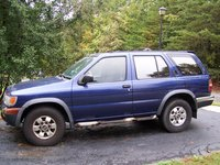 Picture of 1996 Nissan Pathfinder 4 Dr SE 4WD SUV, exterior