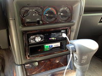 Picture of 1999 Mitsubishi Montero Base 4WD, interior