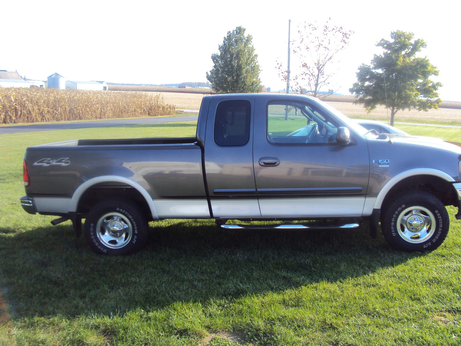 also Ford F Dr Xlt Wd Extended Cab Sb Pic moreover Ford Centurion Classic Lariat Xlt V Front furthermore Ford F Extended Cab Pickup Xlt Americanlisted further . on 1998 ford f 150 xlt extended cab