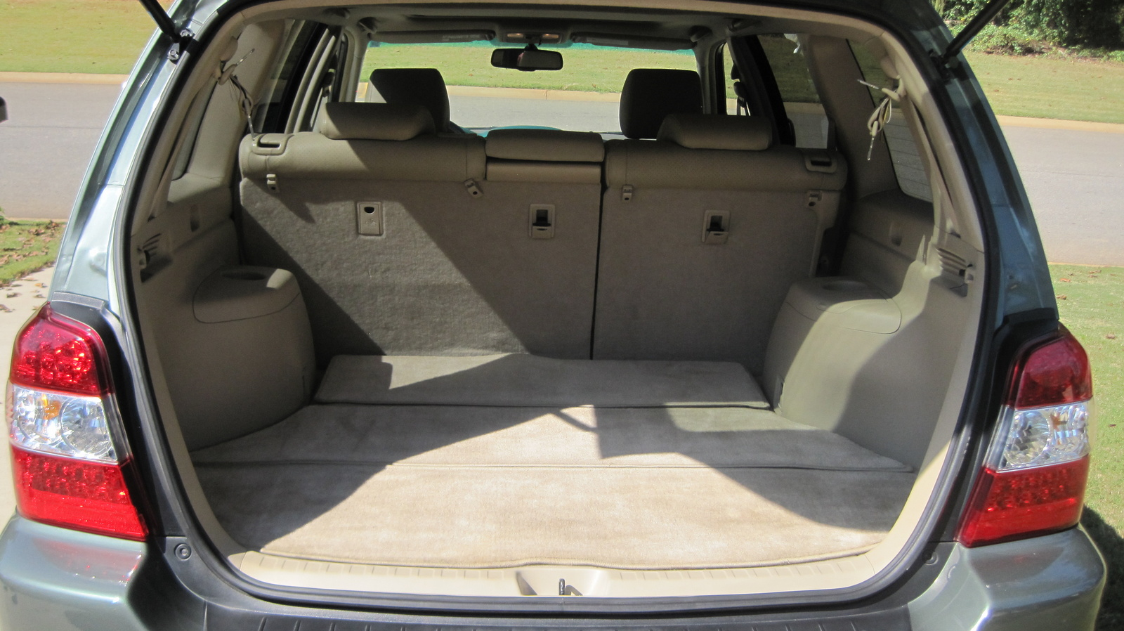 2007 toyota highlander hybrid interior pictures cargurus. Black Bedroom Furniture Sets. Home Design Ideas