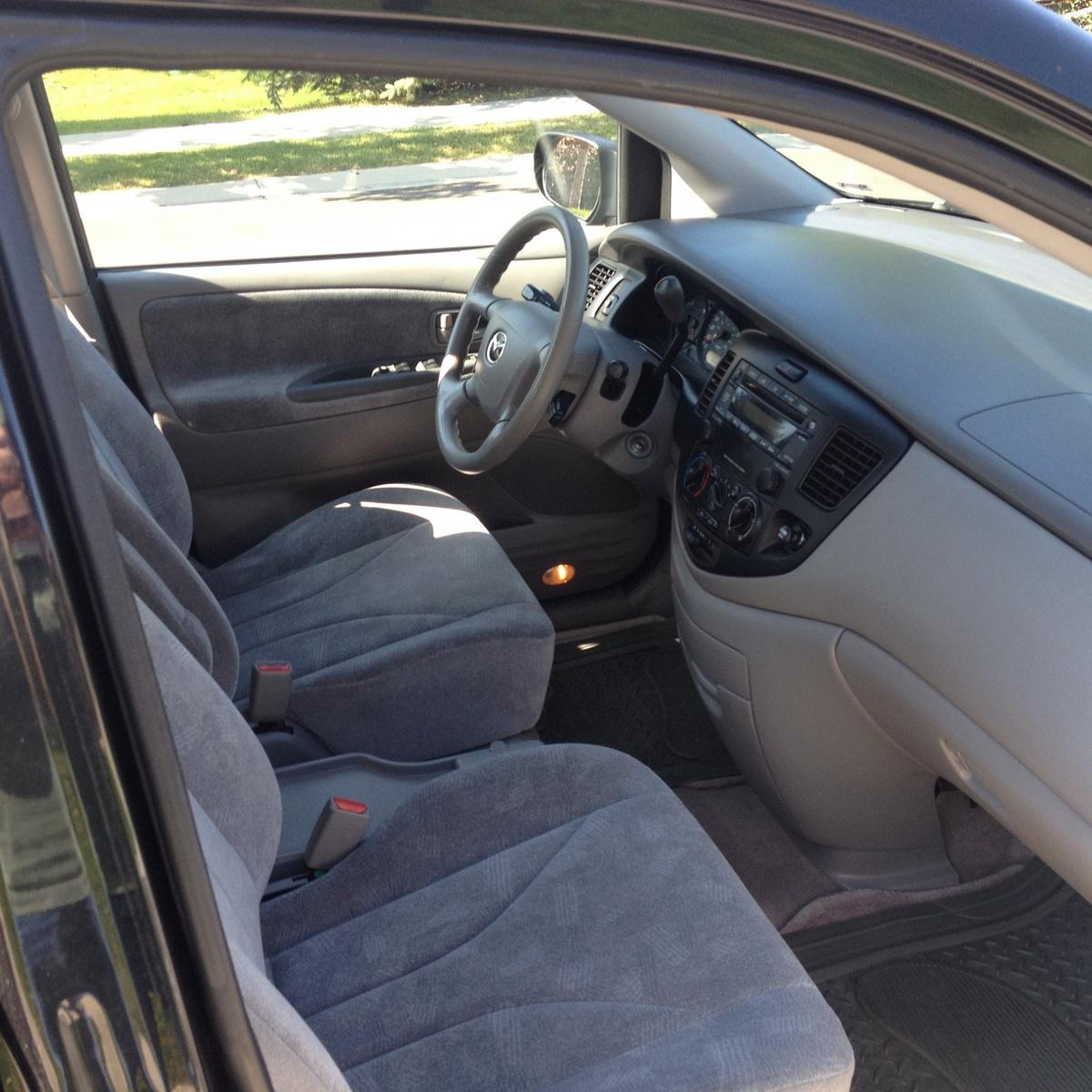 1997 Mazda Mpv Exterior: Interior Pictures