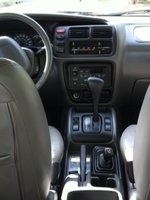 Picture of 2001 Chevrolet Tracker LT 4WD, interior