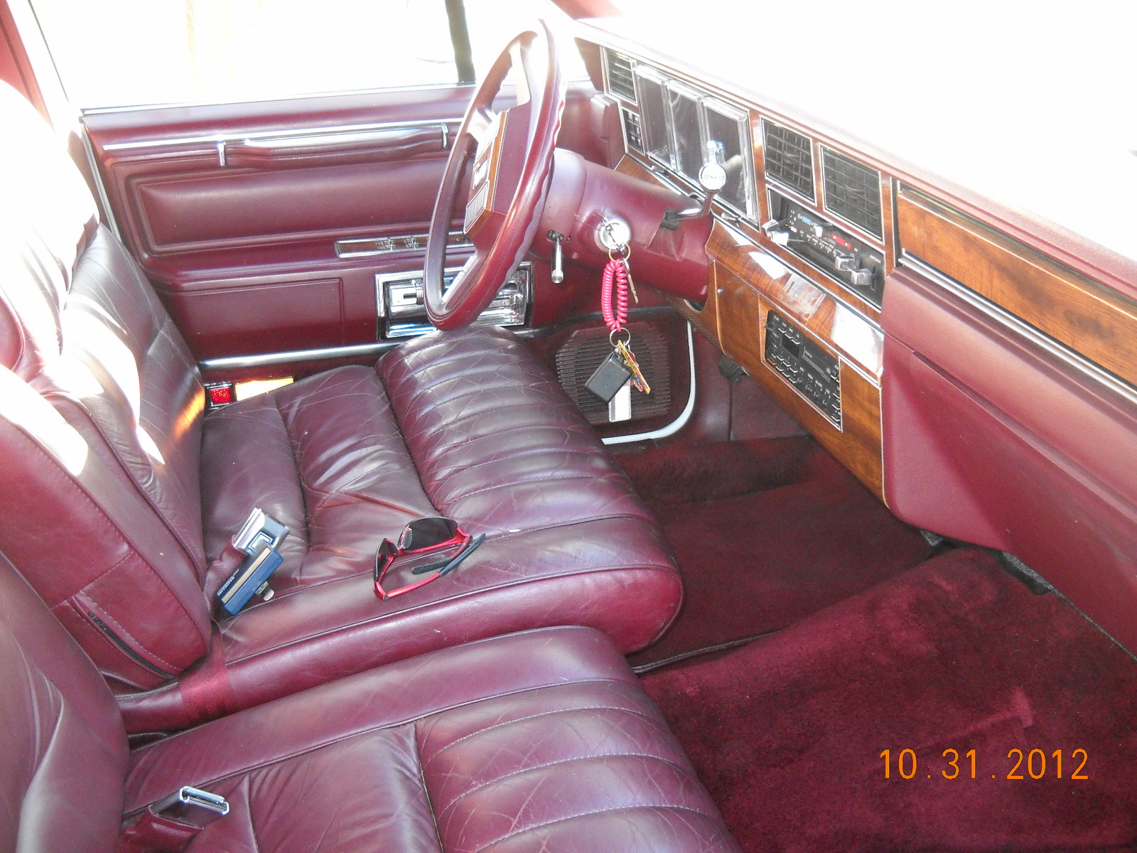 1989 lincoln town car pictures cargurus. Black Bedroom Furniture Sets. Home Design Ideas