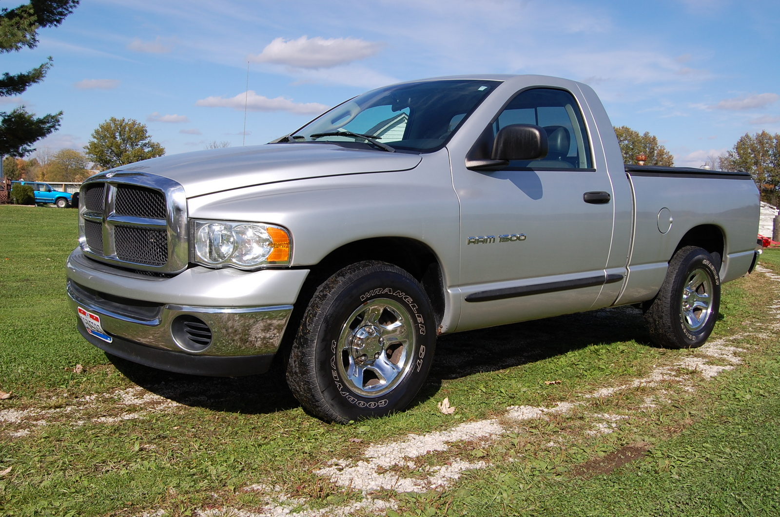 2005 dodge ram pickup 1500 exterior pictures cargurus. Black Bedroom Furniture Sets. Home Design Ideas