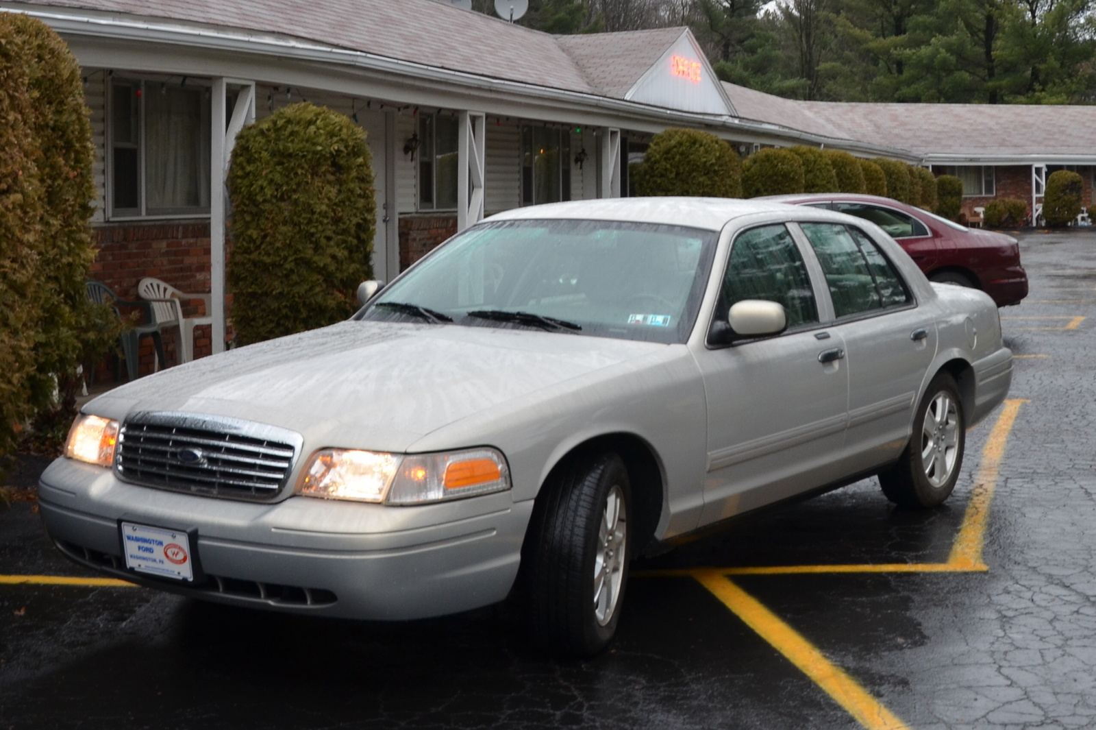 2011 Ford Crown Victoria - Pictures