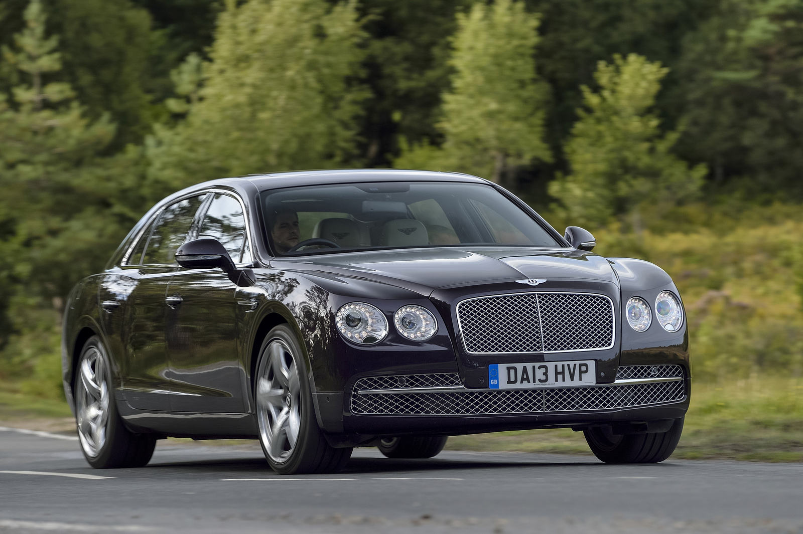 2014 bentley continental flying spur front quarter view exterior. Cars Review. Best American Auto & Cars Review