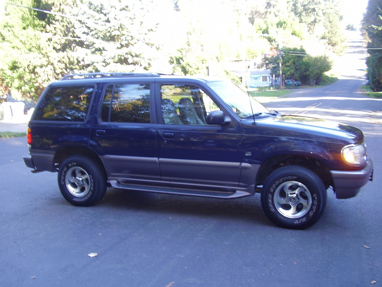 1997 Mercury Mountaineer 4 Dr STD AWD SUV picture