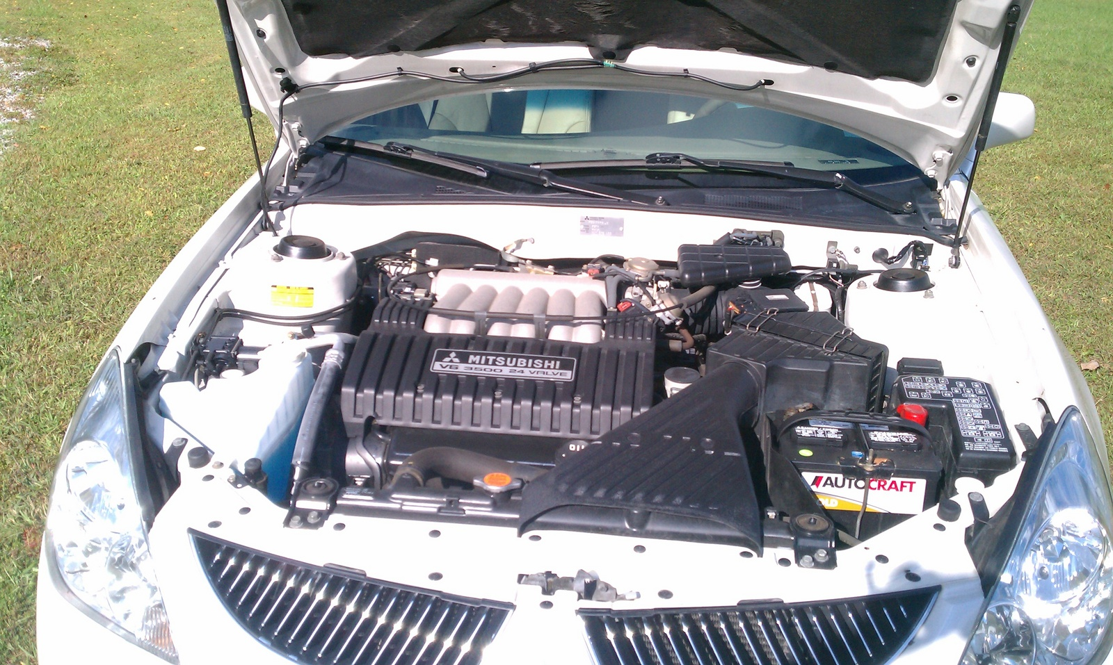 2004 Mitsubishi Diamante 4 Dr LS Sedan picture, engine