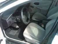 2002 Saturn S-Series 4 Dr SL1 Sedan picture, interior