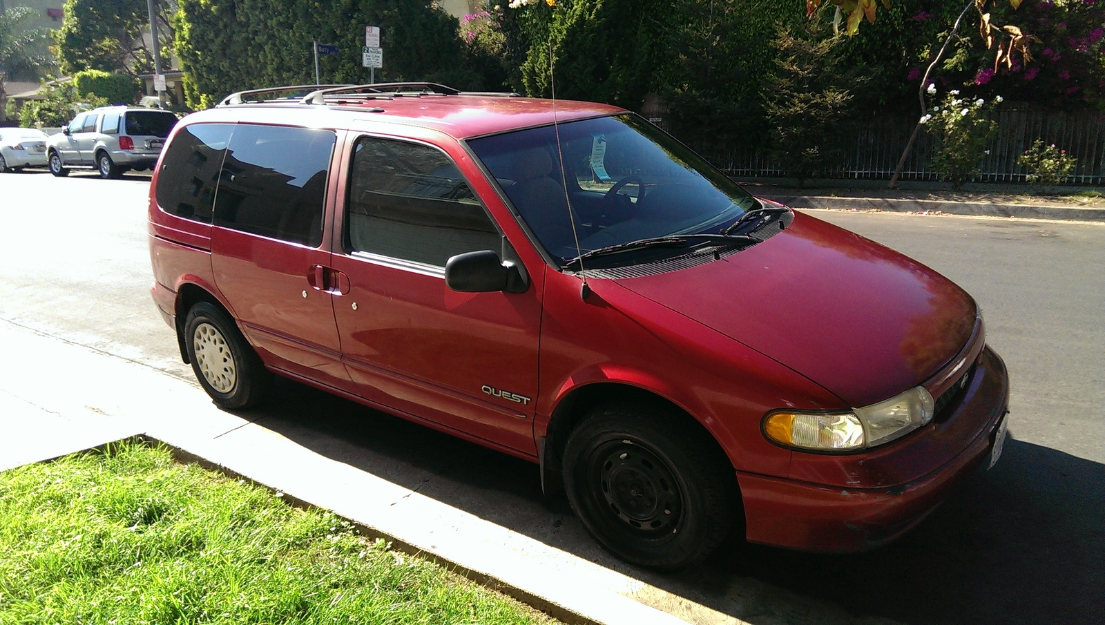 Picture of 1998 Nissan Quest 3 Dr XE Passenger Van