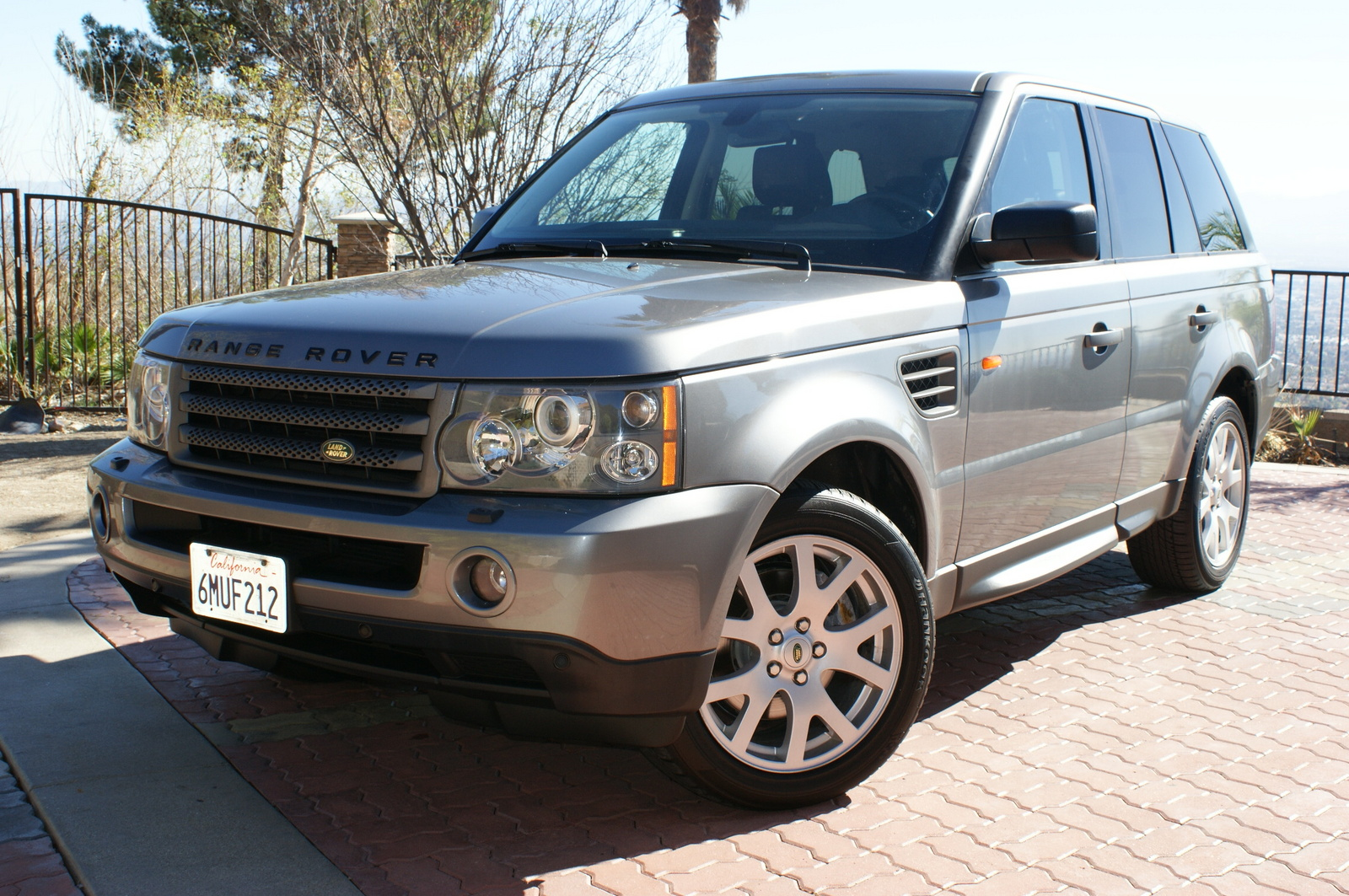 2007 land rover range rover sport reviews pictures and. Black Bedroom Furniture Sets. Home Design Ideas