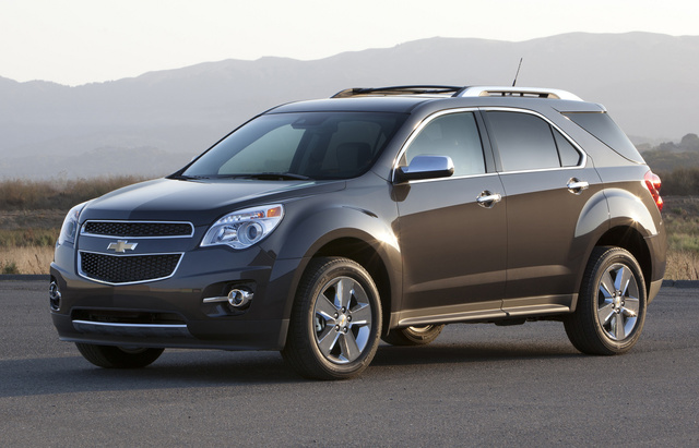 2014 Chevrolet Equinox, Front-quarter view. Copyright General Motors, exterior, manufacturer, gallery_worthy