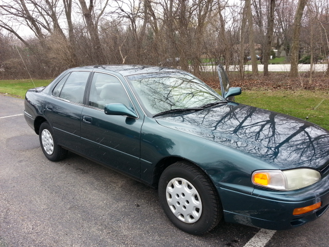 1996 Toyota Camry LE picture, exterior