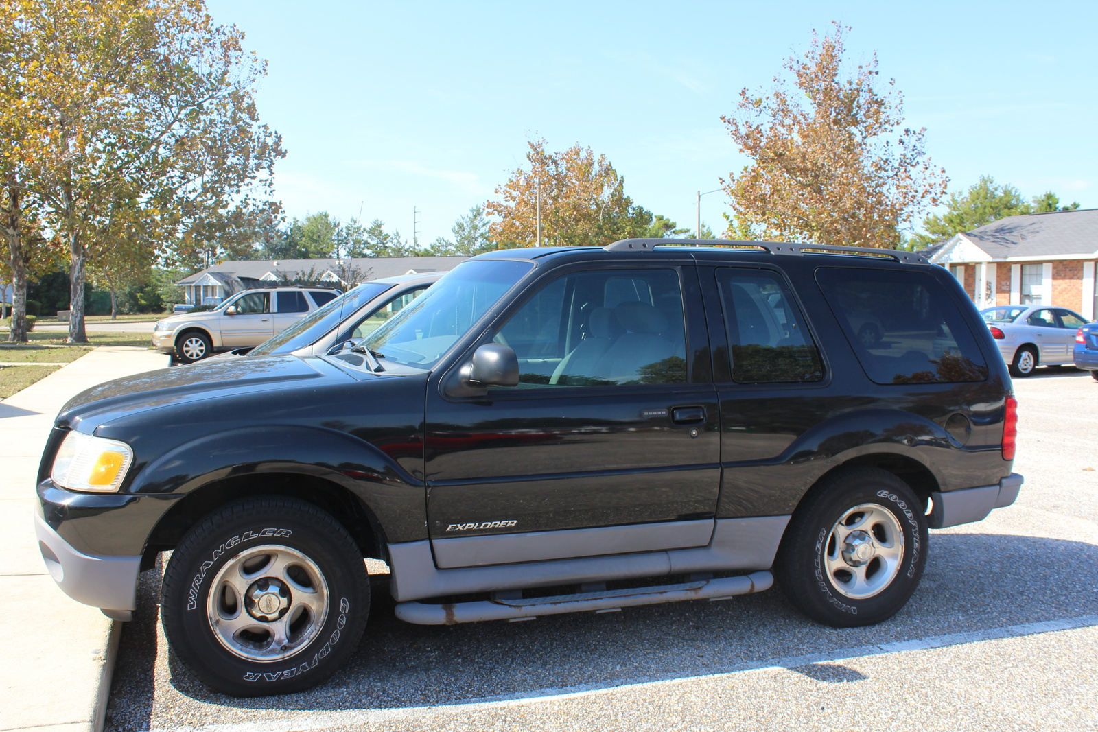 picture of 2001 ford explorer sport 2 dr std 4wd suv exterior. Cars Review. Best American Auto & Cars Review