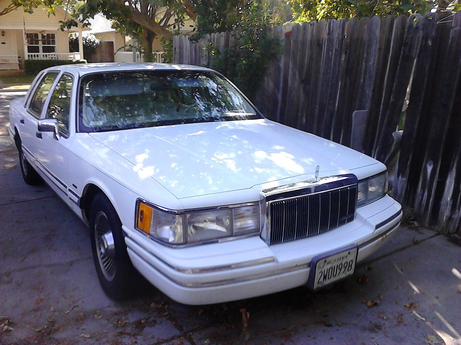 Lincoln Town Car Questions - My 1991 Lincoln Town Car air bag light